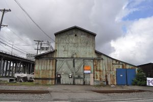 800px-Tacoma,_WA_-_warehouse_near_11_St__Bridge_01